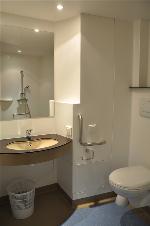salle de bain residence medicalisée Cournonsec