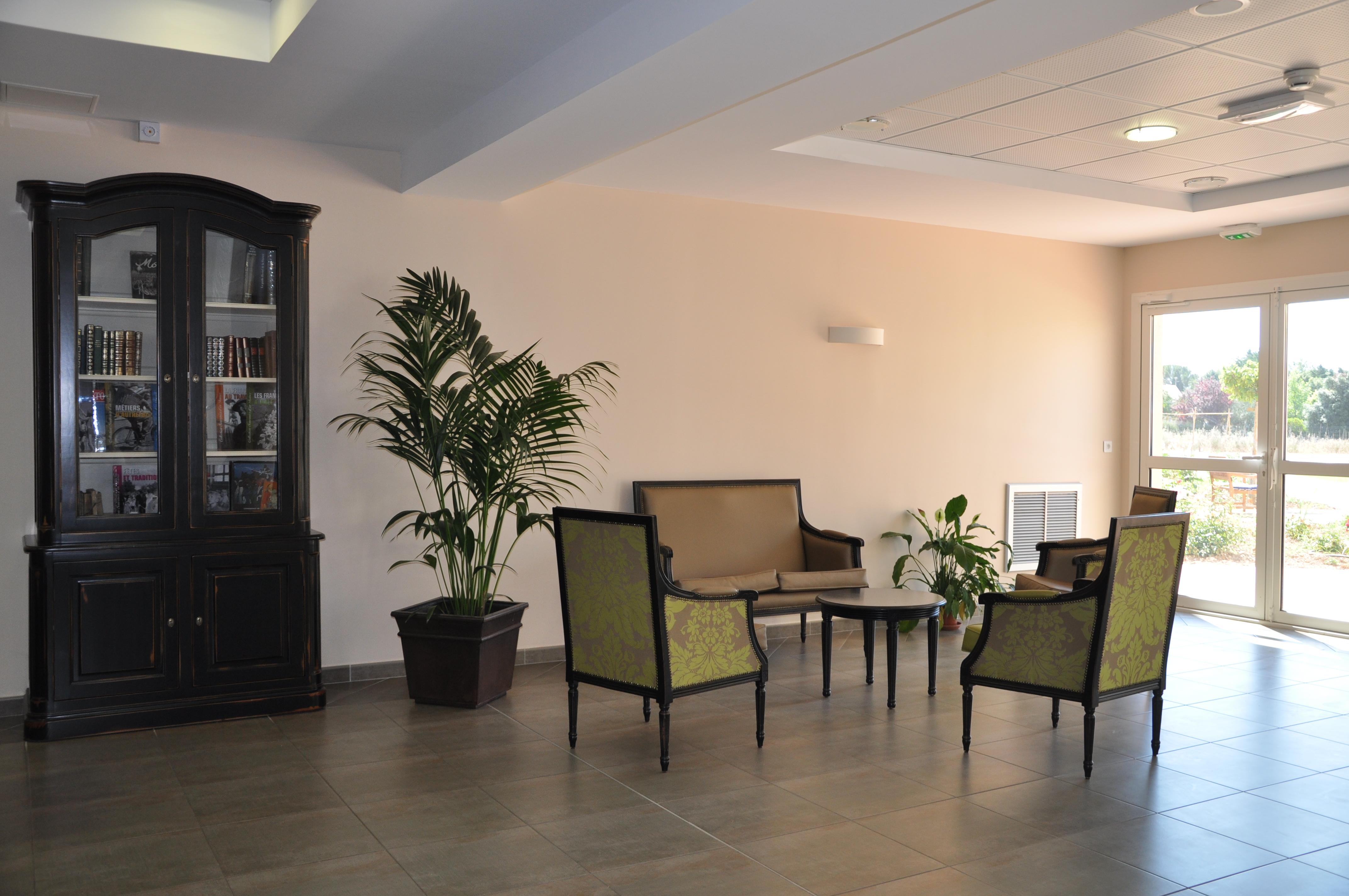 maison de retraite pr s de lattes occitane r sidence. Black Bedroom Furniture Sets. Home Design Ideas